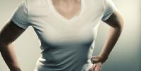 <b>胸部胀痛是怎么回事呢?是乳腺癌吗?</b>
