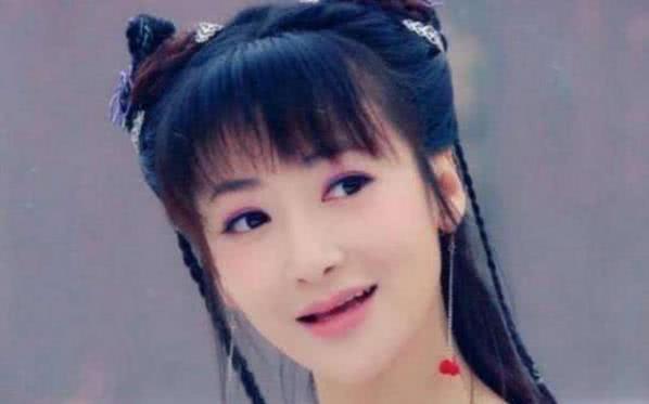 <b>有一种美叫陈紫函没刘海,换掉齐刘海的她,堪比整容!</b>