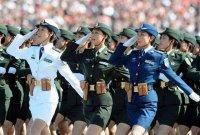 <b>国庆阅兵中女兵们口红被网友询问:迪奥还是雅诗兰黛?其实都不是</b>