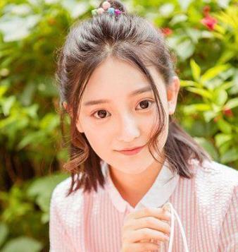 <b>小女生无刘海发型扎法 教你打扮成可爱小女生</b>